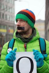 Polen  Poznan - Aktion von KOD (Komitee zur Verteidigung der Demokratie) gegen Gleichschaltung der Justiz und Zensur durch die PIS-Regierung