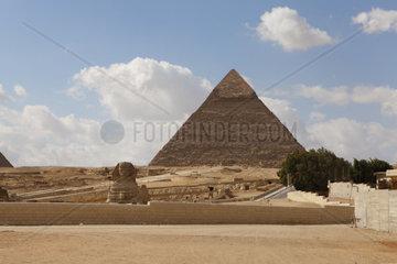 29.01.2011  Arabischer Fruehling  Touristen bleiben aus  Pyramiden von Gizeh  Sphinx  Kairo  Kairo  Aegypten