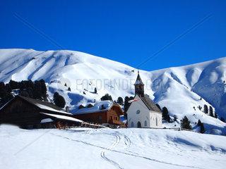 Winterlandschaft  Seiser Alm  St Ulrich  Dolomiten  Italien  Europa