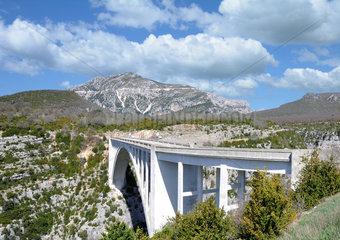 Pont de l'Artuby in der Verdonschlucht Provence Frankreich