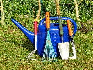 Werkzeuge fuer die Gartenarbeit