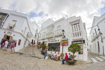 Senioren in der andalusischen Kleinstadt Vejer