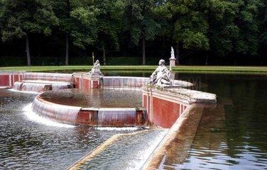 Muenchen Schlosspark Nymphenburg Kaskade 2