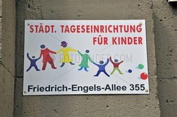 Staedtische Tagungseinrichtung fuer Kinder  Schild  Wuppertal  Bergisches Land  Nordrhein-Westfalen  Deutschland  Europa
