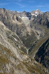Blick ueber das Baltschiedertal zum Nesthorn  Wallis  Schweiz