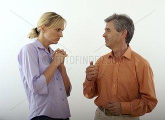 Paar streitet