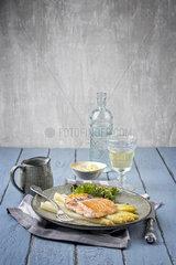White Asparagus with Salmon