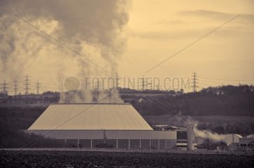 Kraftwerk in Schwarzweiss  Atomkraftwerk Neckarwestheim  Deutschland
