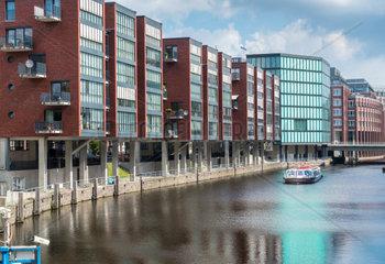 kanalfahrt in Hamburg