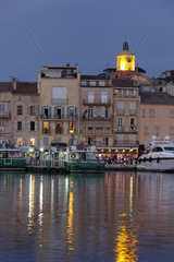 Saint-Tropez  Old town with marina in the sunset light  Cote d Azur  French Riviera  Provence  Southern France  Europe