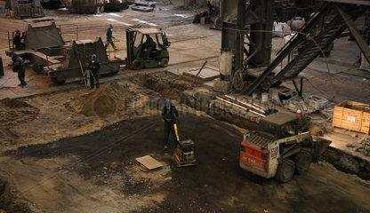 Warschau  Polen  Fundamentarbeiten im Stahlwerk ArcelorMittal Warszawa