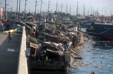 Reportage Floating Kids - Die Muellfischerkinder von Manila