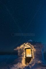 verschneite Huette  Dundret Naturreservat  Lappland