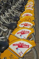 Villo Mietfahrraeder beim Bahnhof Midi  Bruessel  Belgien  Europa