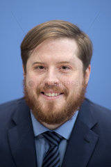 Dr. Hannes Kroeger  PK Fluechtlingsbefragung