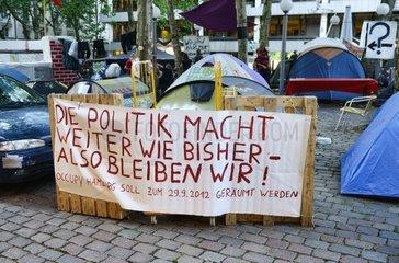Protestlager von Occupy Hamburg am Gerhart-Hauptmann-Platz in der Altstadt von Hamburg  Deutschland