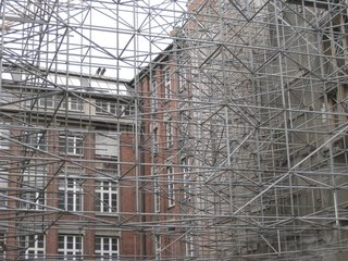 Geruest Bauwerk Gebaeude Sanierung construction building renovation Muenchen