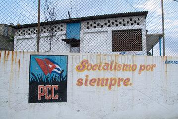 Havanna  Kuba  Werbung der Kommunistischen Partei Kubas fuer den Sozialismus