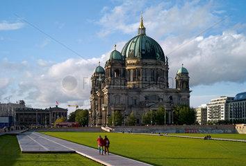 Berlin  Deutschland  Blick vom Schlossplatz auf den Berliner Dom