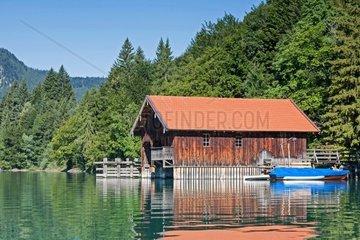 Idyllisches Bootshaus am Walchensee in Oberbayern