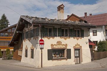 Schnapshaeusle  Trettachstrasse  Oberstdorf  Allgaeuer Alpen  Allgaeu  Bayern  Deutschland  Europa