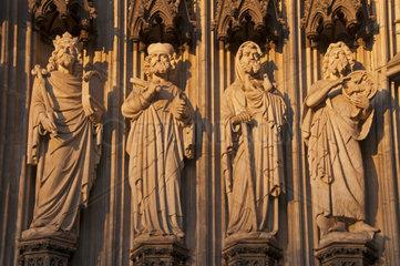 Statuen  Heiligenfiguren  Hauptportal der Westfassade  Koelner Dom  Koeln  Nordrhein-Westfalen  Deutschland  Europa