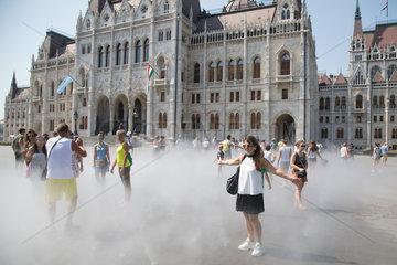 HUNGARY-BUDAPEST-HEAT