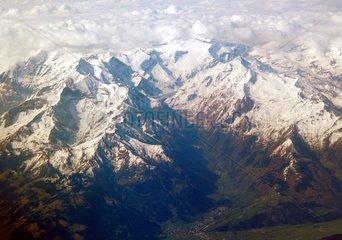 Alpen Berggipfel Schnee Luftaufnahme Luftfoto Bergmassiv 2