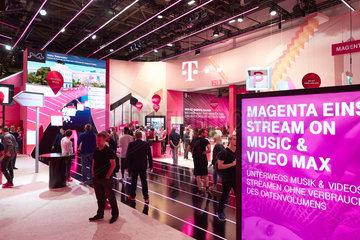 Berlin  Deutschland - Der Messestand der Deutschen Telekom AG auf der IFA 2018.