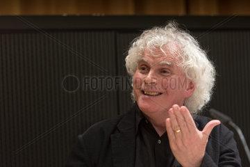 Berlin  Deutschland  Sir Simon Rattle  Chefdirigent der Berliner Philharmoniker