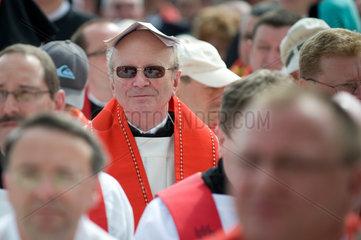 Dresden  Deutschland  Katholiken bei der Seligsprechung des sorbischen Pfarrers Alojs Andritzki