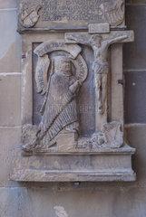 Inschriften an der Aussenfassade  Michaelskirche  Schwaebisch Hall