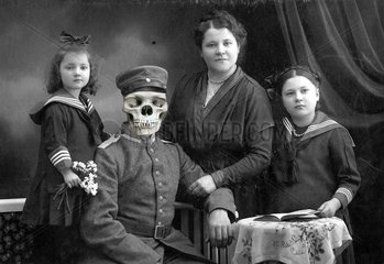 D-deutsche Soldatenfamilie Satire