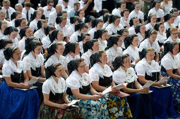 Dresden  Deutschland  Katholiken in sorbischer Tracht