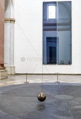 Zwei Graue Doppelspiegel fuer ein Pendel von Gerhard Richter
