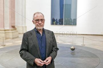 Gerhard Richter vor Pendel