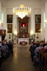 Scucyn  Weissrussland  polnische Glaeubige in einem katholischen Gottesdienst