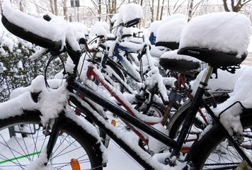 Fahrraeder Schnee 2