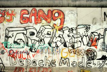 Berlin  Deutschland  Graffiti auf der Berliner Mauer in der Stresemannstrasse