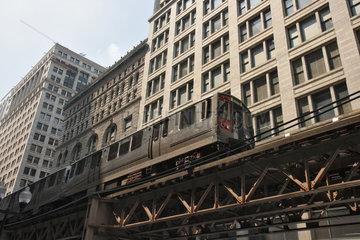 Chicago  USA  die Hochbahn LOOP der staedtischen Verkehrsgesellschaft CTA