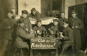 arbeitslose Soldaten  Kriegsheimkehrer Erster Weltkrieg  1919