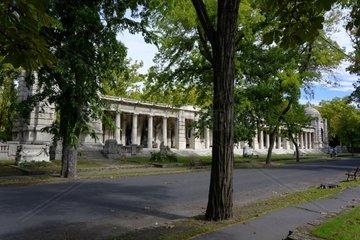 Die Arkaden im Ungarischen National Friedhof Kerepesi