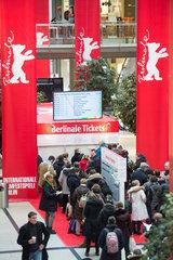 Berlin  Deutschland  Vorverkauf der Berlinale Kinokarten in den Potsdamer Platz Arkaden