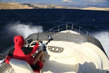 Kroatien  Kvarner  Senjska Vrata  Motoryacht