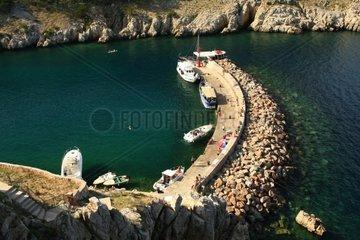 Kroatien  Kvarner  Insel Krk  Stadthafen von Vrbnik