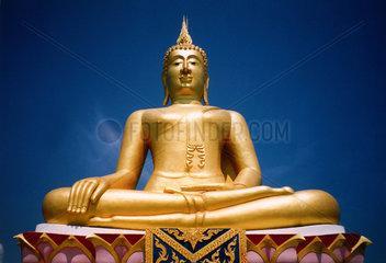 Thailand  Koh Samui  goldene Buddhaskulptur