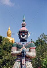 Thailand  Koh Samui  Buddha mit Tempelfigur