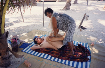 Thaimassage am Strand