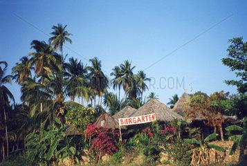 Thailand  Biergarten mit Palmen