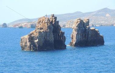 Felsen vor Paros Seeseite